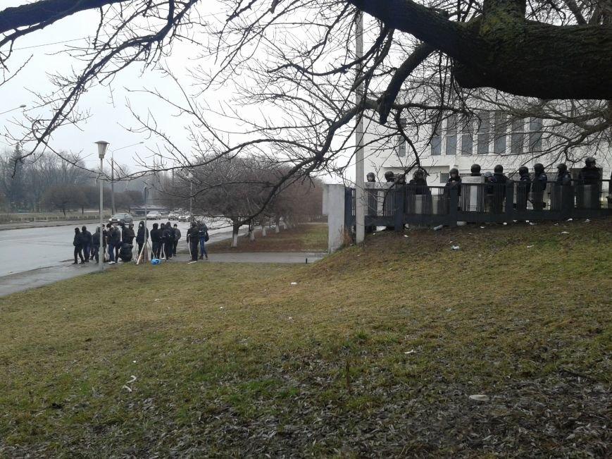 Сумчане возле ОГА просят милицию перейти к народу, а депутаты собирают подписи для созыва сессии облсовета (ФОТО), фото-3