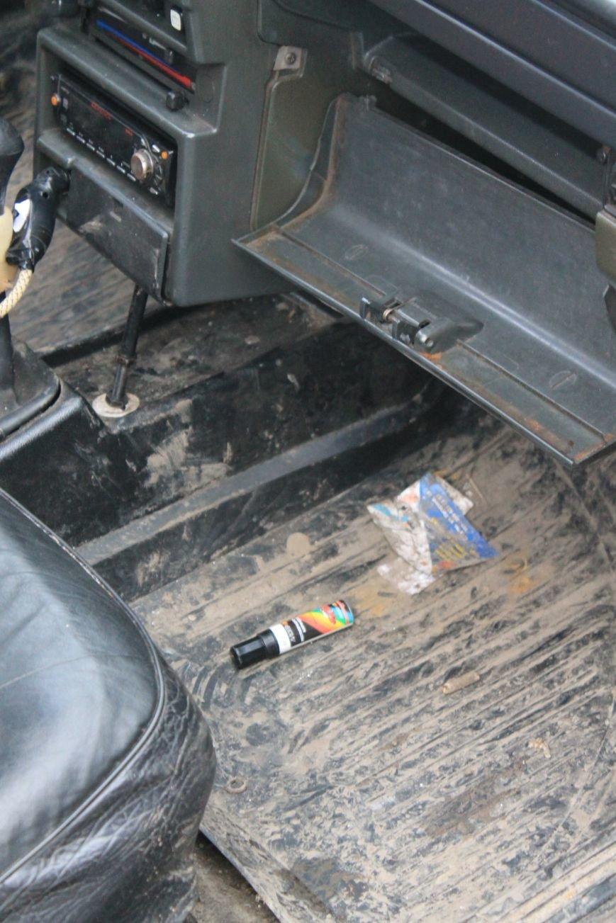Активисты сумского майдана задержали наркомана, который ездил на авто по пл. Независимости (ФОТО + ВИДЕО), фото-12