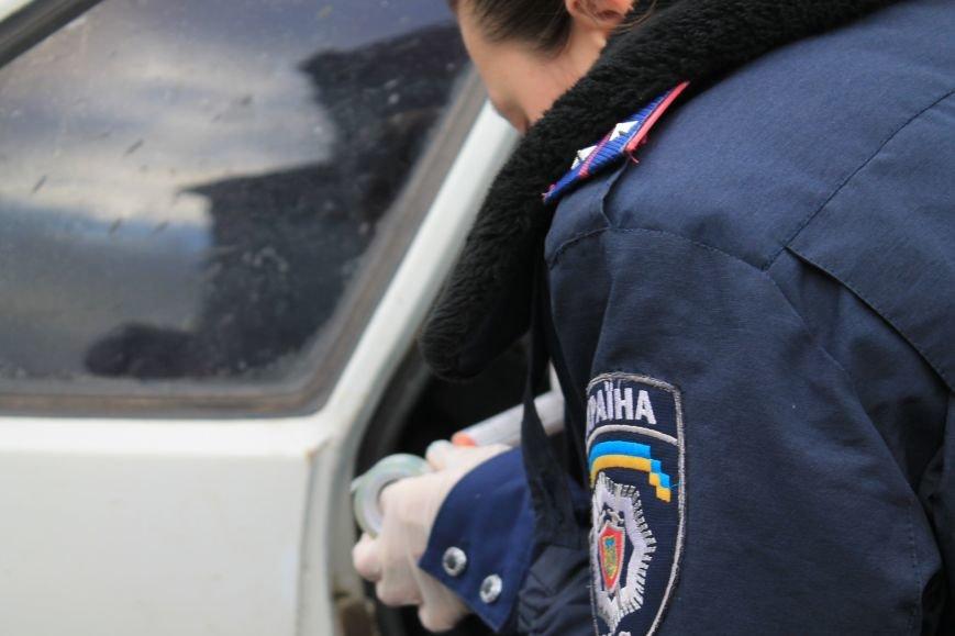 Активисты сумского майдана задержали наркомана, который ездил на авто по пл. Независимости (ФОТО + ВИДЕО), фото-8