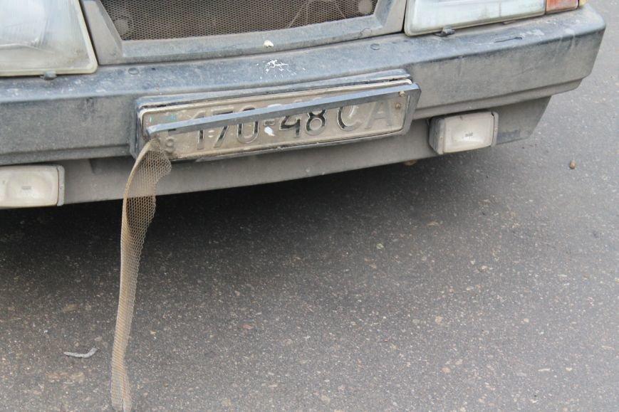 Активисты сумского майдана задержали наркомана, который ездил на авто по пл. Независимости (ФОТО + ВИДЕО), фото-3