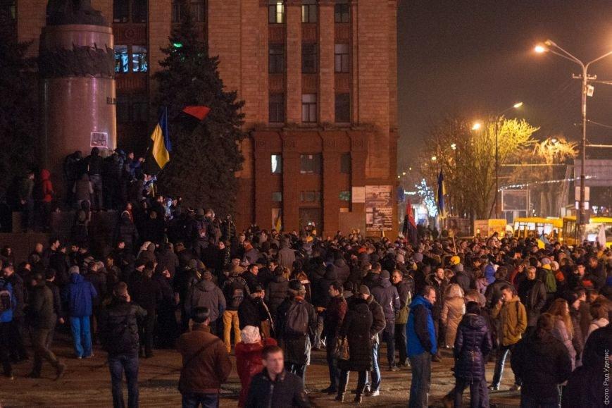 В Днепропетровске снесен памятник Ленину (ФОТО, ВИДЕО), фото-7