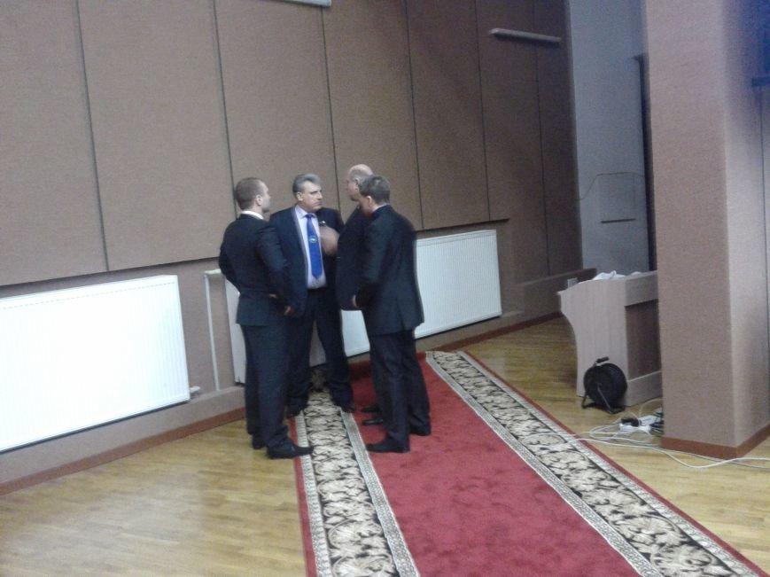 На заседании Сумского горсовета становится жарко: мэр курит прямо в зале (ФОТО), фото-3