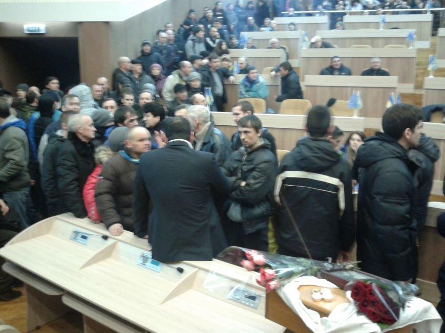 На заседании Сумского горсовета становится жарко: мэр курит прямо в зале (ФОТО), фото-4