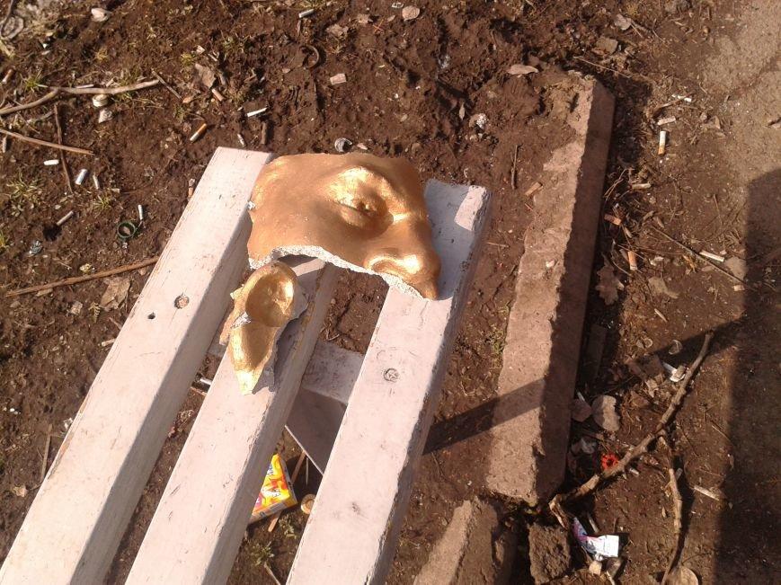 В Кривом Роге отбили голову памятнику Ленину, фото-2