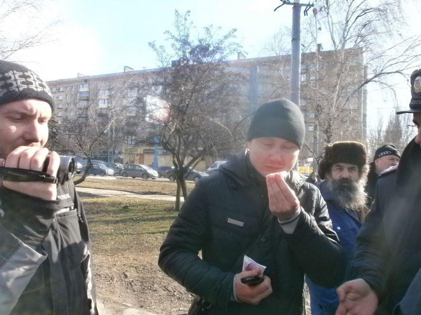 В Мариуполе титушки разбили нос журналисту (ФОТО), фото-1