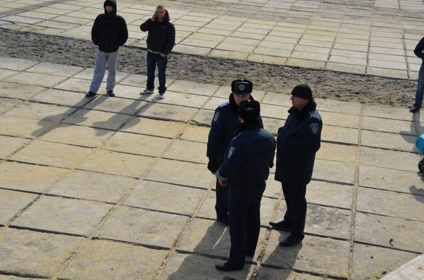 В Мариуполе на митинге памяти порвали портрет Януковича (ФОТОРЕПОРТАЖ), фото-23