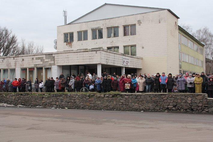 В последний путь провели черниговского беркутовца, поибшего от пули снайпера в Киеве, фото-2