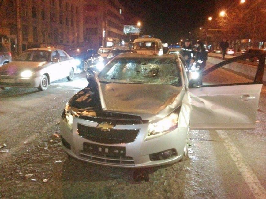 В Запорожье майдановцы побили легковой автомобиль, из которого их обстреляли (ФОТО), фото-2