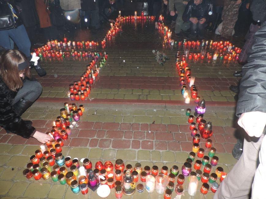 Тернополяни вшанували полеглих у столиці Героїв (фото), фото-2