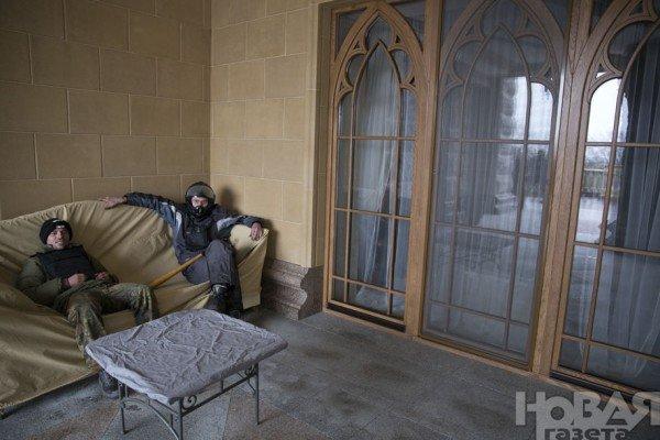 В гостях у Президента: граждане Украины смогли увидеть пресловутый золотой унитаз (ФОТО. ВИДЕО), фото-17