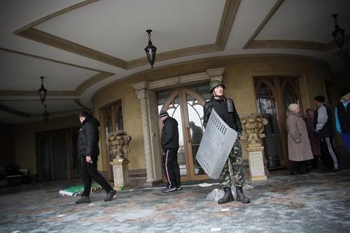 В гостях у Президента: граждане Украины смогли увидеть пресловутый золотой унитаз (ФОТО. ВИДЕО), фото-4