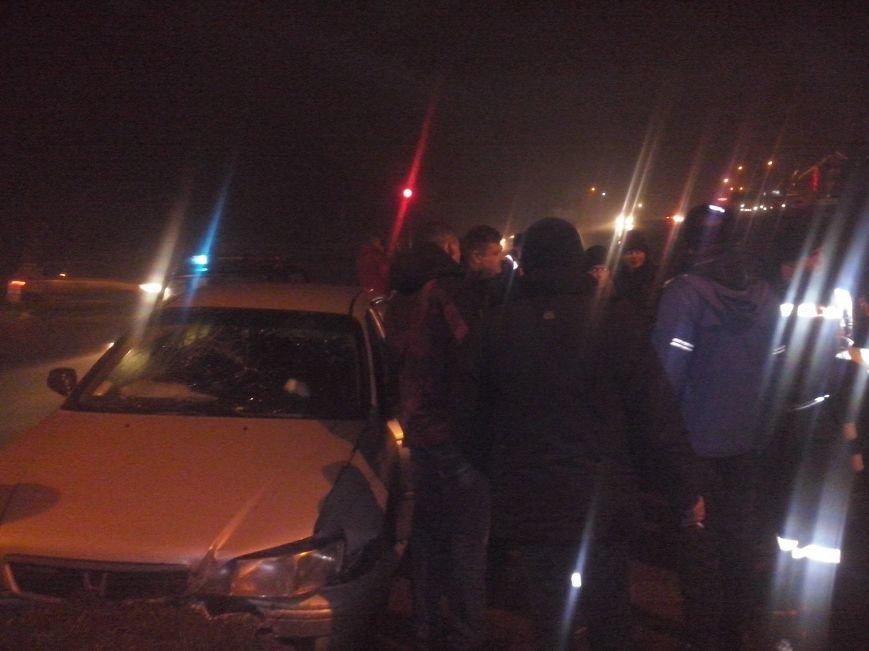 Неподалік Тернополя п'яні чоловіки скоїли ДТП  – Самооборона допомогла постраждалим (фото), фото-2