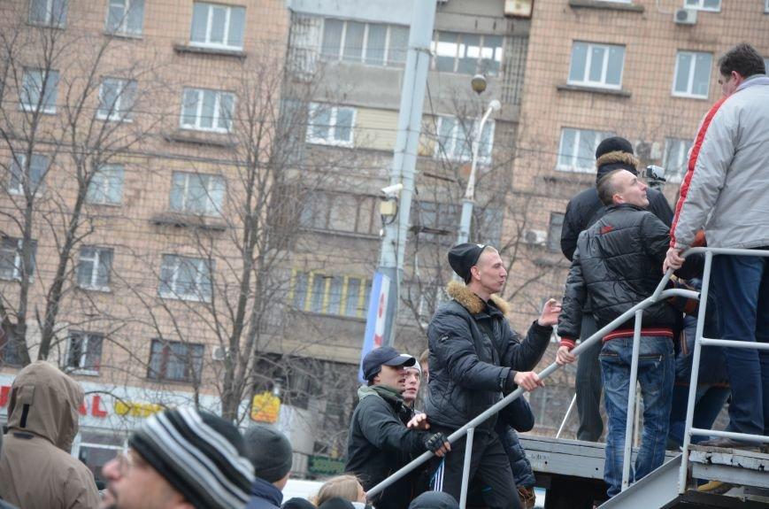 В Мариуполе Антимайдан пришел к Ленину поговорить со сторонниками Майдана (Дополнено ФОТО), фото-112
