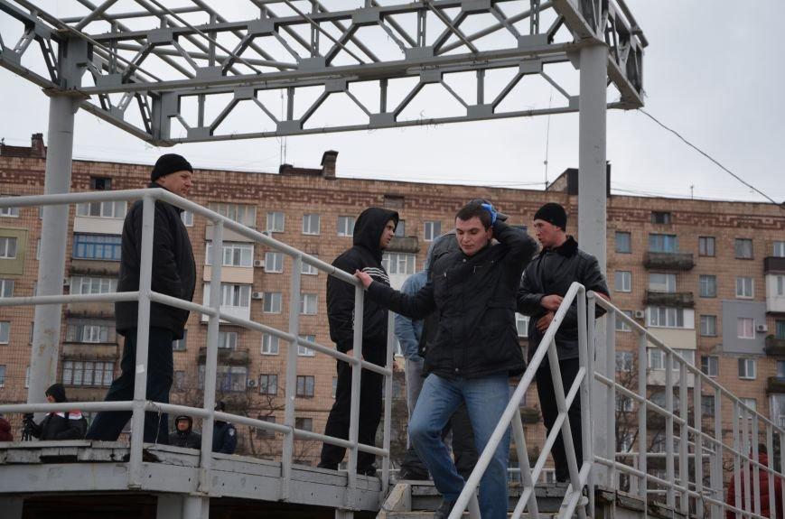 В Мариуполе Антимайдан пришел к Ленину поговорить со сторонниками Майдана (Дополнено ФОТО), фото-109
