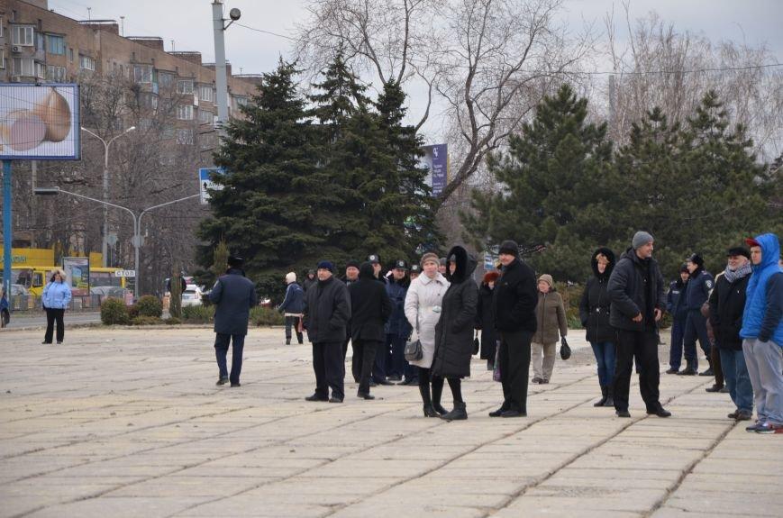 В Мариуполе Антимайдан пришел к Ленину поговорить со сторонниками Майдана (Дополнено ФОТО), фото-44