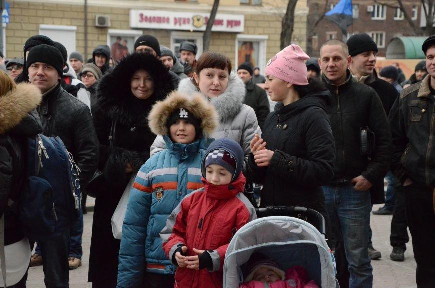 В Мариуполе Антимайдан пришел к Ленину поговорить со сторонниками Майдана (Дополнено ФОТО), фото-11