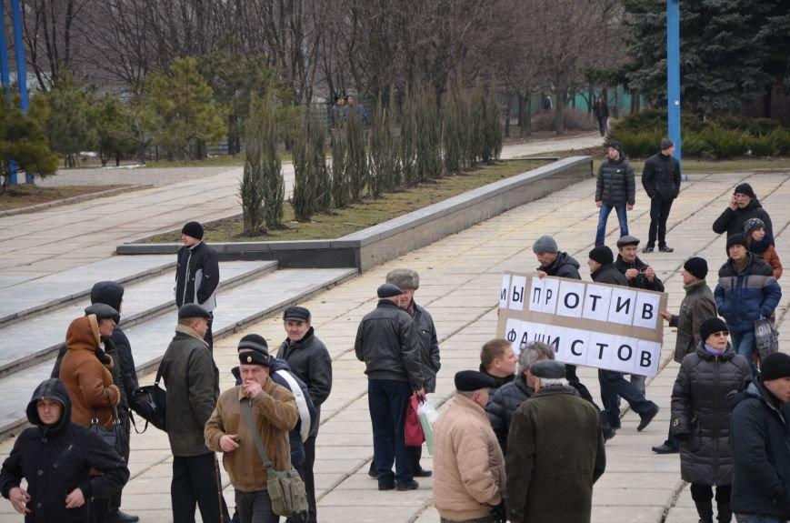 В Мариуполе Антимайдан пришел к Ленину поговорить со сторонниками Майдана (Дополнено ФОТО), фото-50