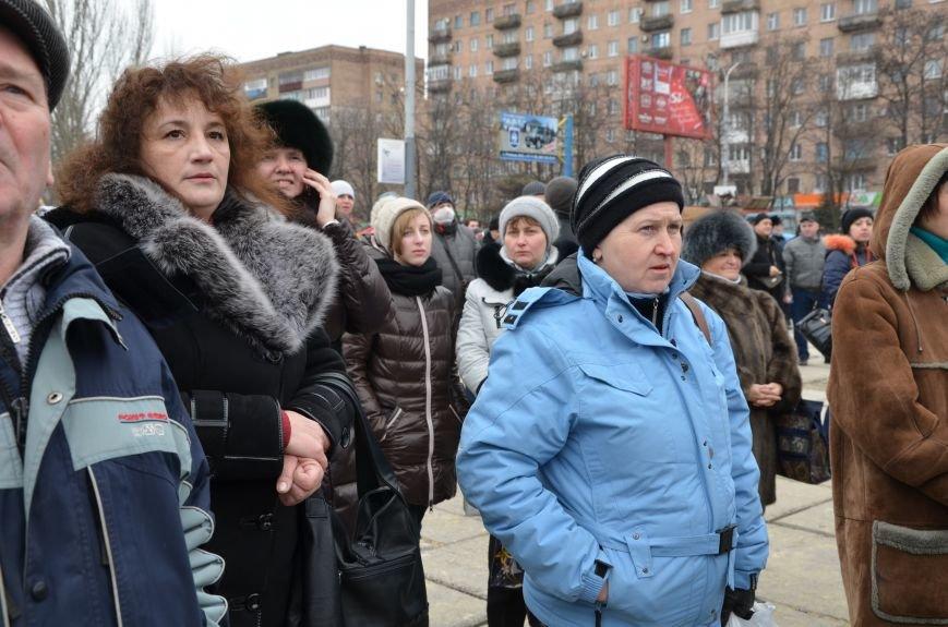 В Мариуполе Антимайдан пришел к Ленину поговорить со сторонниками Майдана (Дополнено ФОТО), фото-75