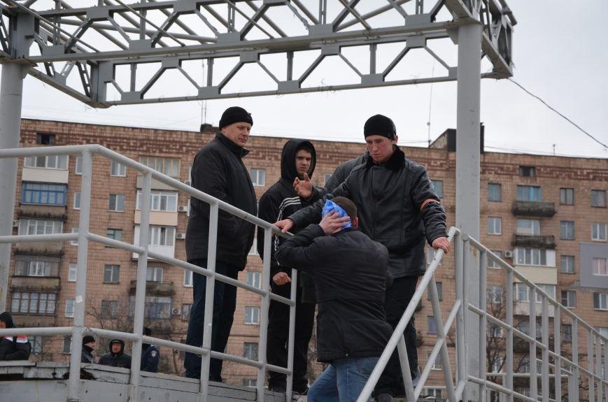 В Мариуполе Антимайдан пришел к Ленину поговорить со сторонниками Майдана (Дополнено ФОТО), фото-110