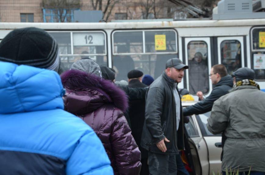 В Мариуполе Антимайдан пришел к Ленину поговорить со сторонниками Майдана (Дополнено ФОТО), фото-126
