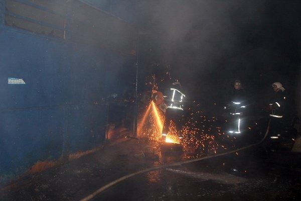 У Тернополі дотла згорів автомагазин (фото, відео), фото-5