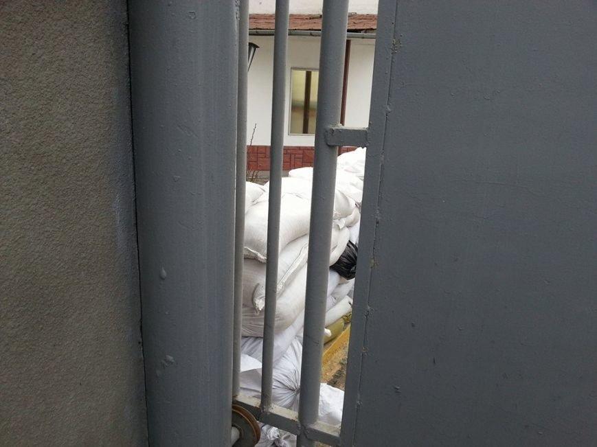 На базе «Беркута» в Симферополе усилена охрана: опасаются захвата (ФОТО), фото-2