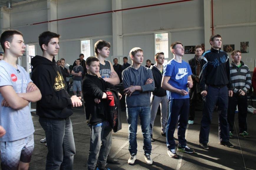 В День защитника отечества артемовские парни соревновались в силе и выносливости (ВИДЕО), фото-6
