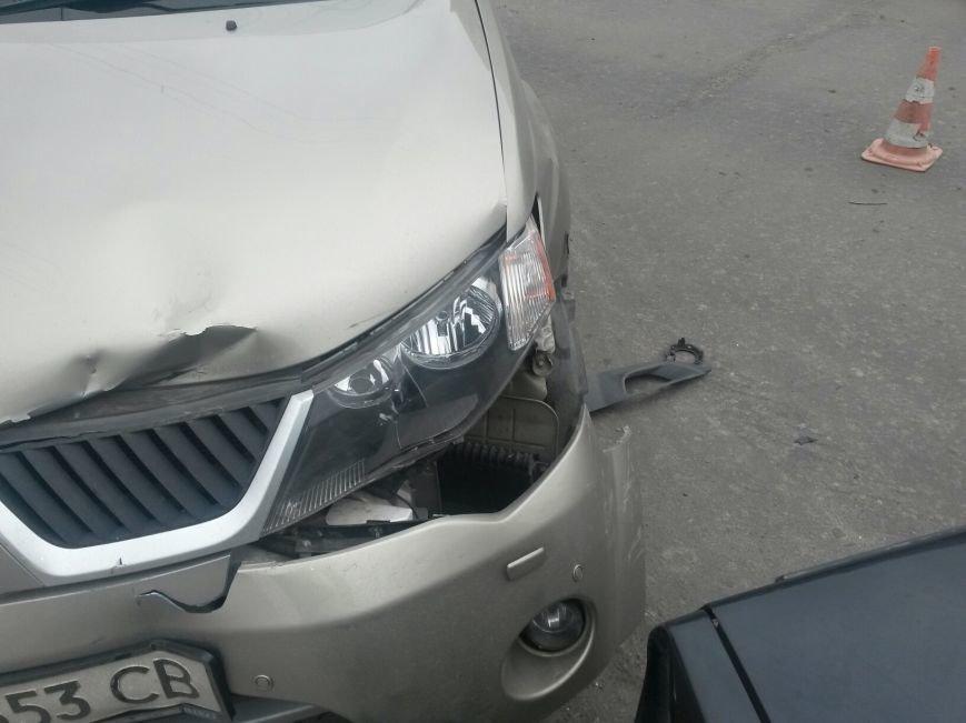 В Мариуполе внедорожник столкнулся с легковушкой. Есть пострадавшие (ФОТО+ВИДЕО), фото-5