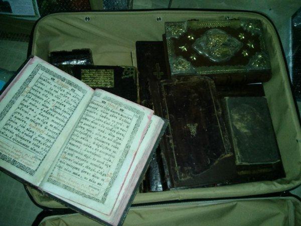 Янукович украл бесценную реликвию - первую книгу украинского книгопечатания (ФОТО), фото-3
