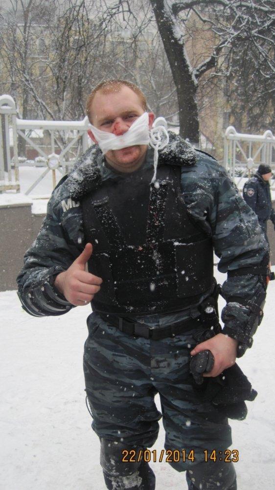 Сумские беркутовцы гуляли по Майдану в штатском и фотографировались (ФОТО), фото-10