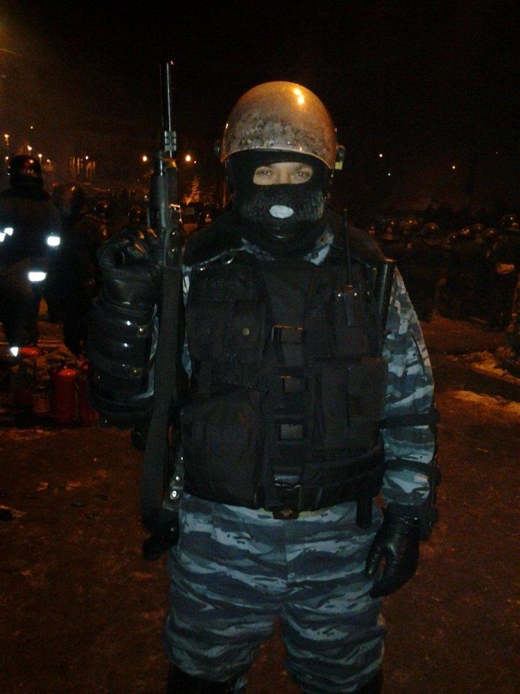 Сумские беркутовцы гуляли по Майдану в штатском и фотографировались (ФОТО), фото-7