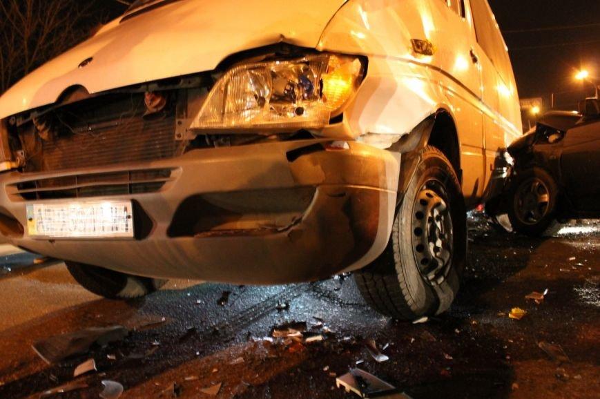 На самом аварийном перекрёстке Кривого Рога девушка разбила внедорожник и маршрутку (ФОТО), фото-5