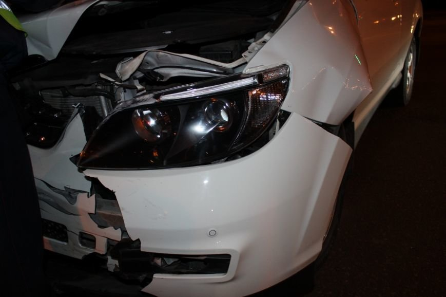 На самом аварийном перекрёстке Кривого Рога девушка разбила внедорожник и маршрутку (ФОТО), фото-9