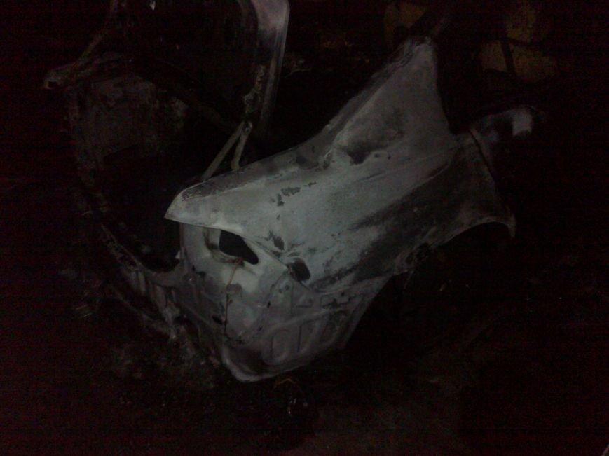 В Кременчуге на стоянке сгорели две иномарки. Милиция выяснила - это поджог (ФОТО), фото-4