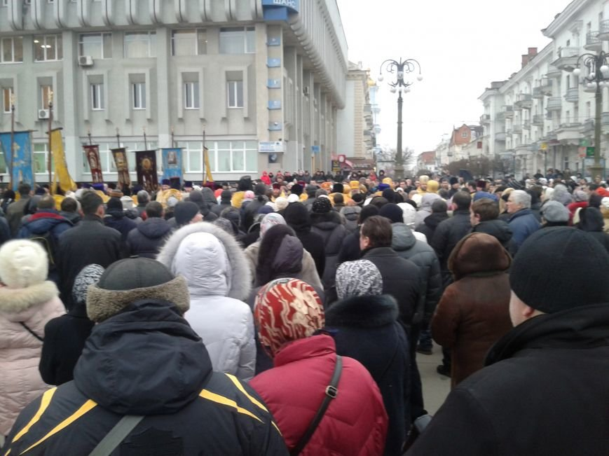 В Сумах УПЦ (МП) провела молебен и крестный ход в честь погибших на Майдане (ФОТО), фото-1