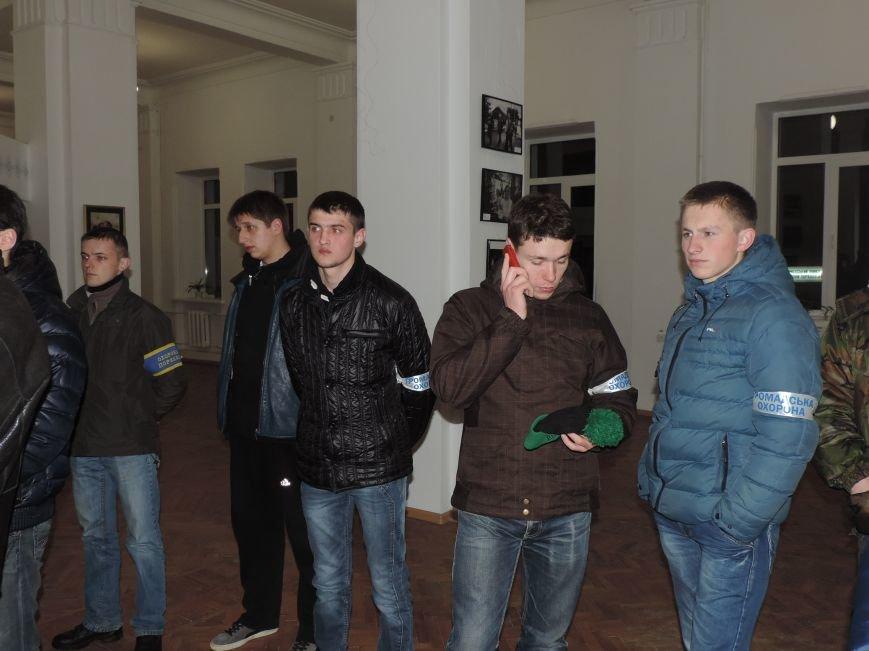 Тернопіль надалі під контролем активістів та міліції (фото, відео), фото-4