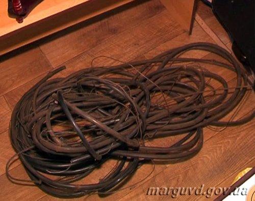 В Мариуполе кабельный вор оставил без связи сотни горожан, фото-2