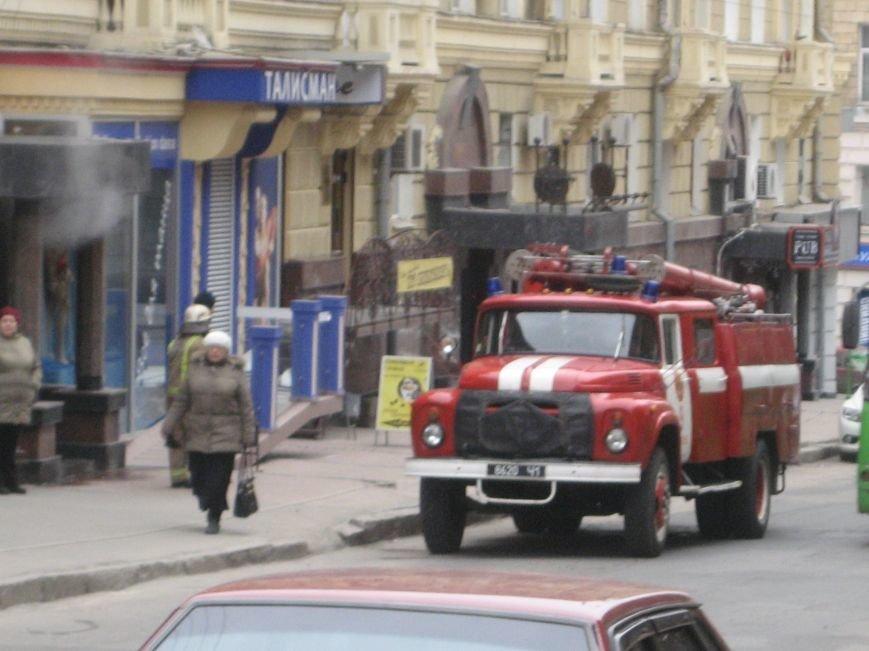 В доме на улице Короленко прорвало трубу. Пар люди перепутали с дымом (ФОТО), фото-4
