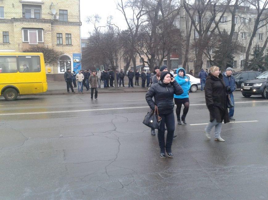 Криворожане продолжают прибывать на митинг за порядок (ФОТО), фото-11