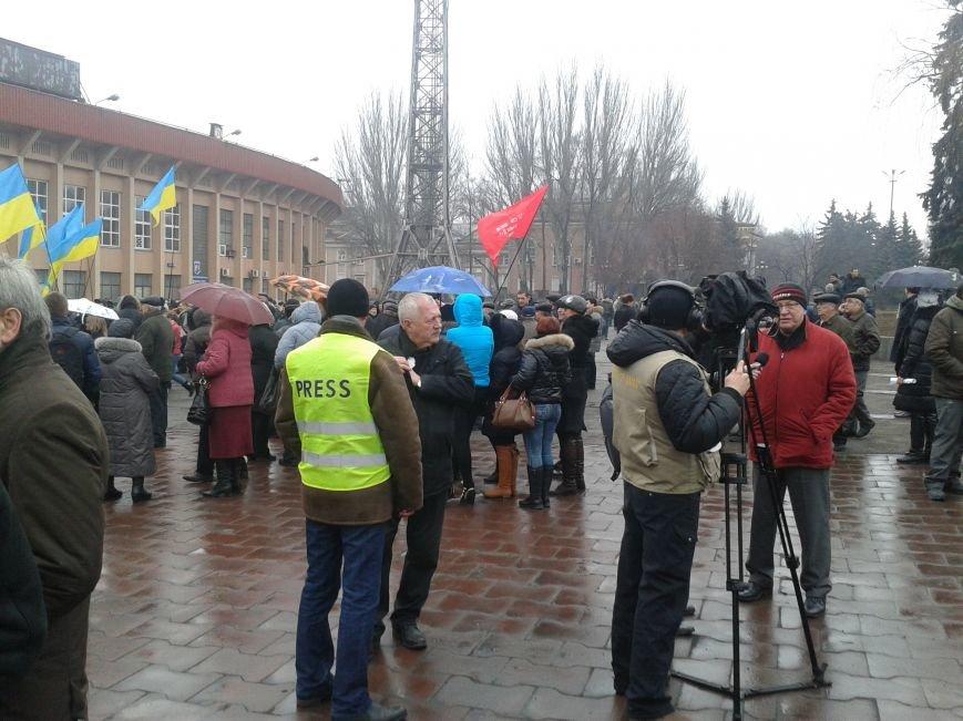 Криворожане продолжают прибывать на митинг за порядок (ФОТО), фото-6