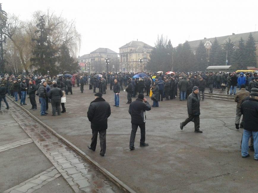 Криворожане продолжают прибывать на митинг за порядок (ФОТО), фото-8