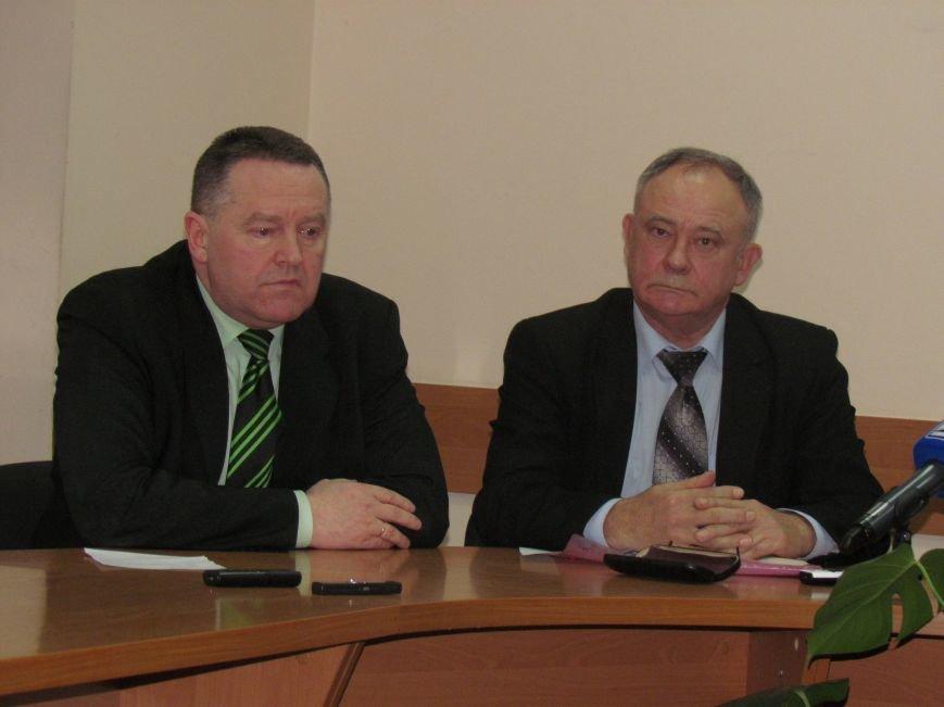 Представители партий призвали мариупольцев работать, пока в Киеве будут заниматься политикой (ФОТО), фото-1