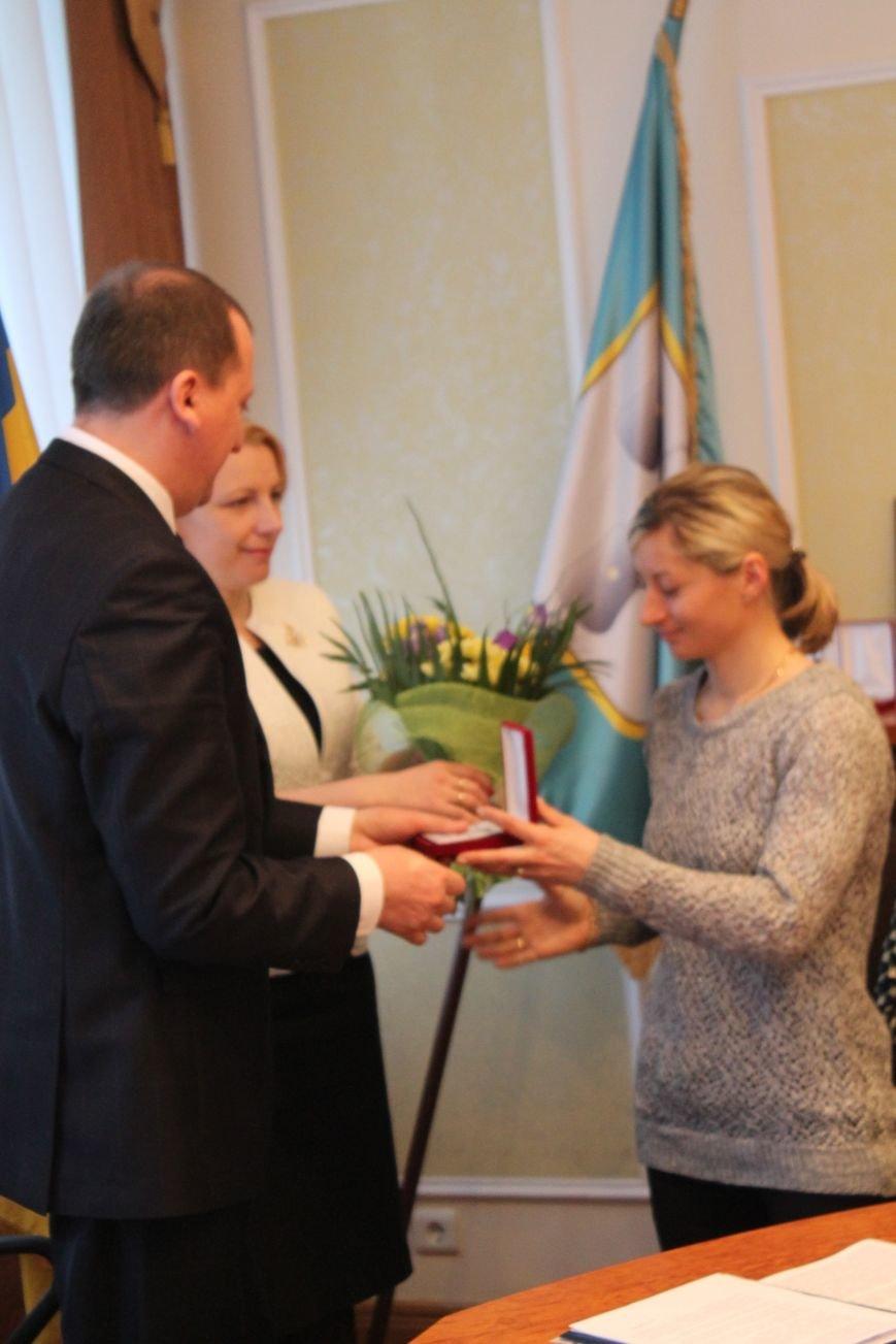 Сумским биатлонистам и.о. мэра вручил награды и пообещал подумать над вопросом выделения квартир (ФОТО), фото-3