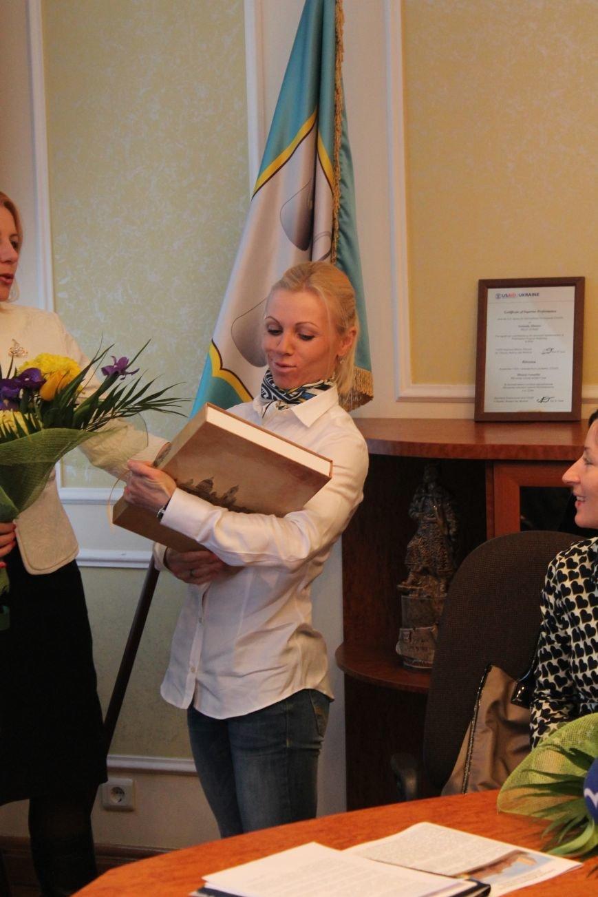 Сумским биатлонистам и.о. мэра вручил награды и пообещал подумать над вопросом выделения квартир (ФОТО), фото-5