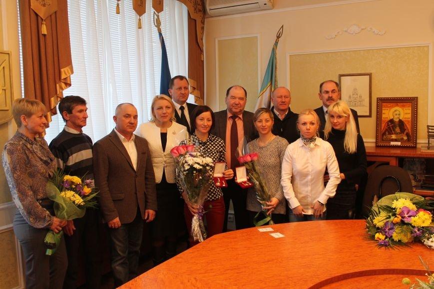 Сумским биатлонистам и.о. мэра вручил награды и пообещал подумать над вопросом выделения квартир (ФОТО), фото-8