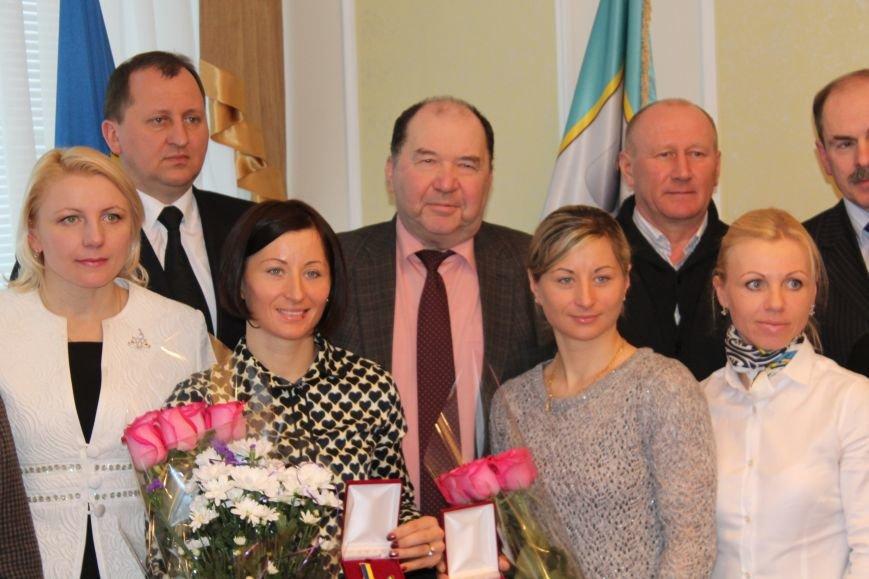 Сумским биатлонистам и.о. мэра вручил награды и пообещал подумать над вопросом выделения квартир (ФОТО), фото-9