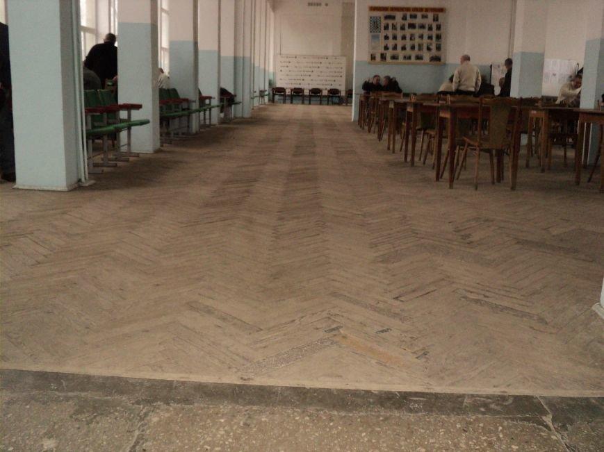 В Мариуполе зловонный туалет распугал шахматистов (ФОТО), фото-10