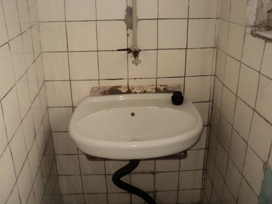 В Мариуполе зловонный туалет распугал шахматистов (ФОТО), фото-2
