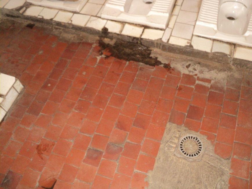 В Мариуполе зловонный туалет распугал шахматистов (ФОТО), фото-5