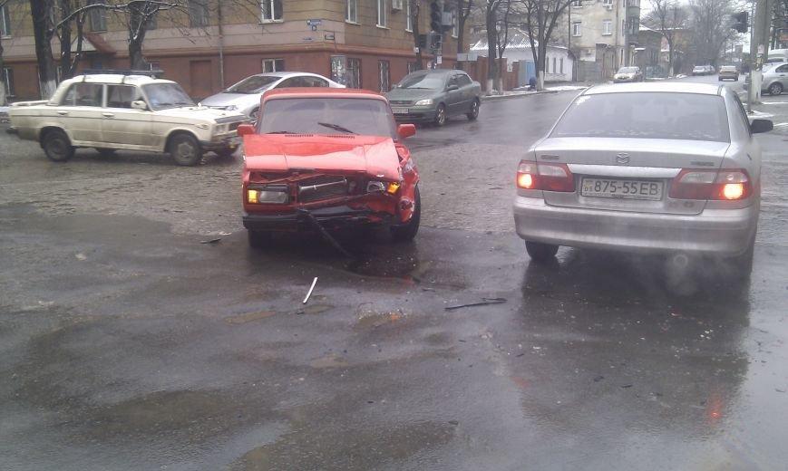 В Мариуполе неработающий светофор  спровоцировал аварию (ФОТО), фото-4